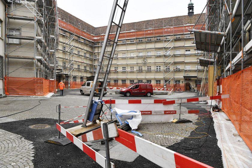 Die Bauarbeiten im inneren Klosterhof